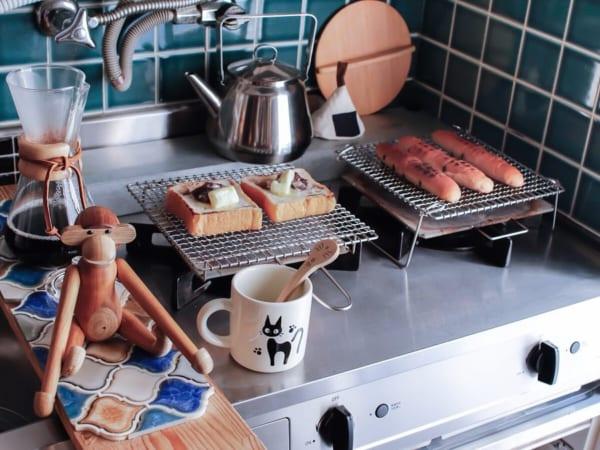③トースターではなく焼き網でパンを焼く