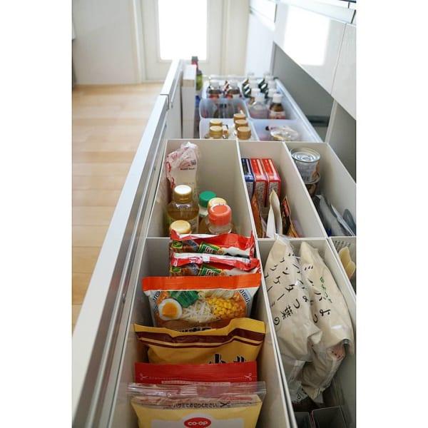 食料品ストックを収納