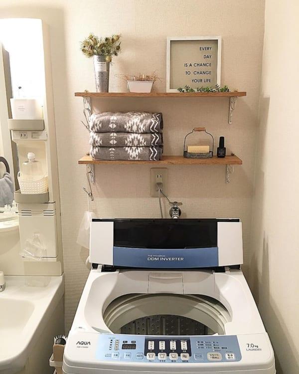 100均棚受け楽しむ洗面所インテリア