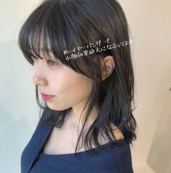 黒髪ミディアム×巻き髪×レイヤーバング