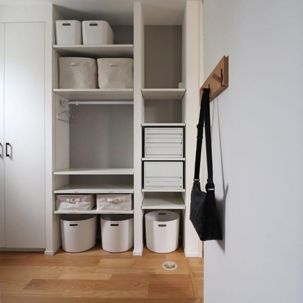 壁に付けられる家具でしまえる収納