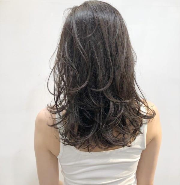黒髪ミディアム×巻き髪×ワンカール