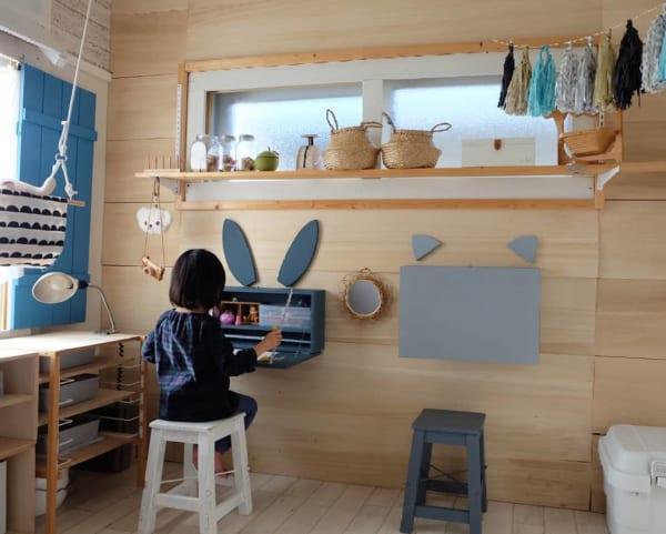 お絵描きを楽しめる子供部屋