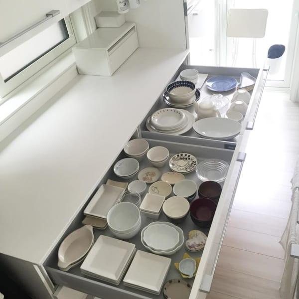お皿を並べて収納
