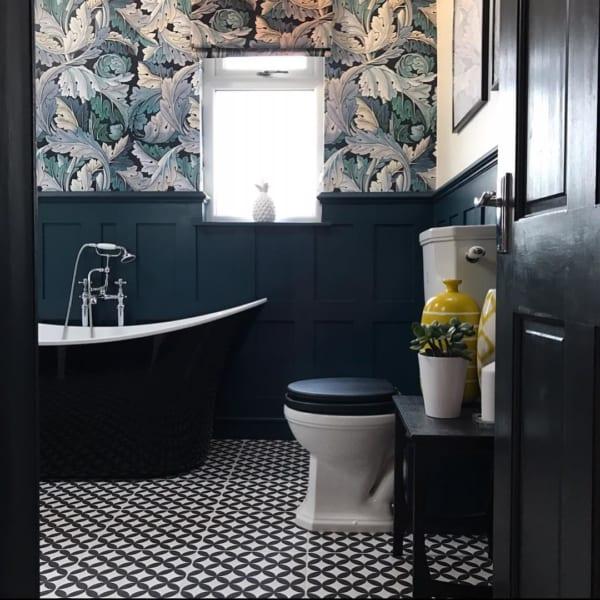 おしゃれなタイル床が魅力の海外バスルーム12