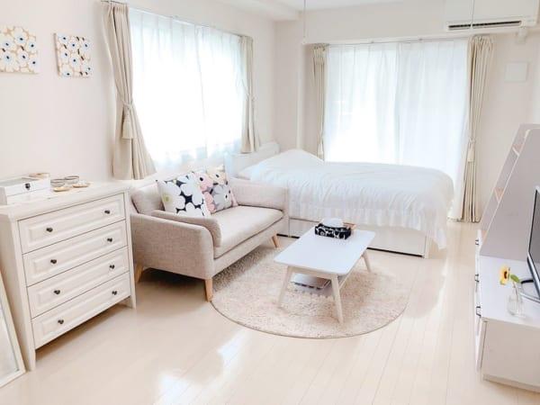 フェミニンシンプルな一人暮らし部屋