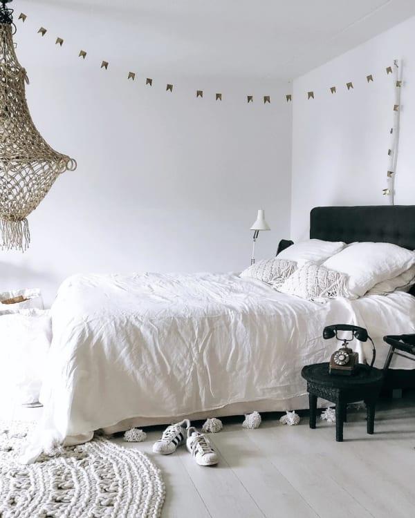 モノトーンのお部屋作り《寝室インテリア》10