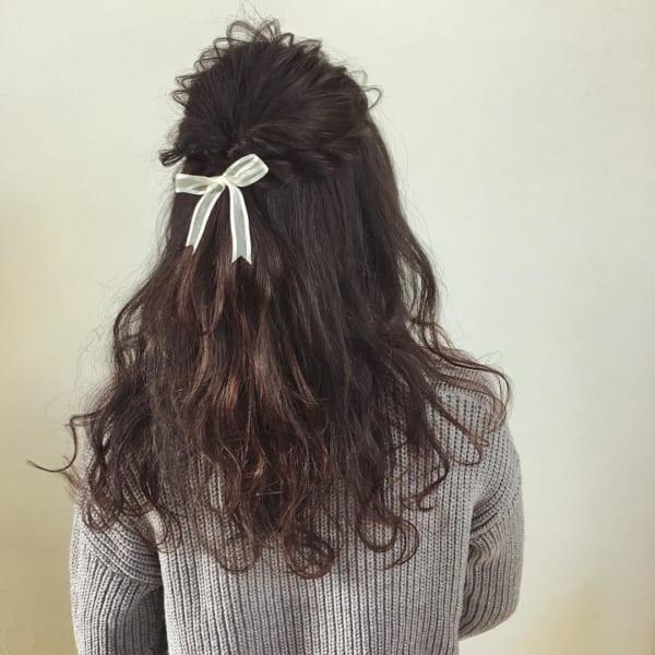黒髪ミディアム×ハーフアップ×ロープ編み