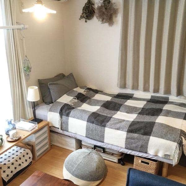 ベッド下収納も生活感のない一人暮らし部屋