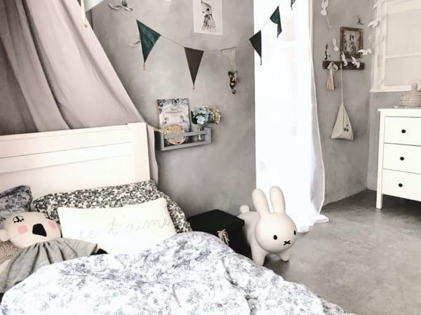 海外テイストなグレーインテリア和室女の子部屋