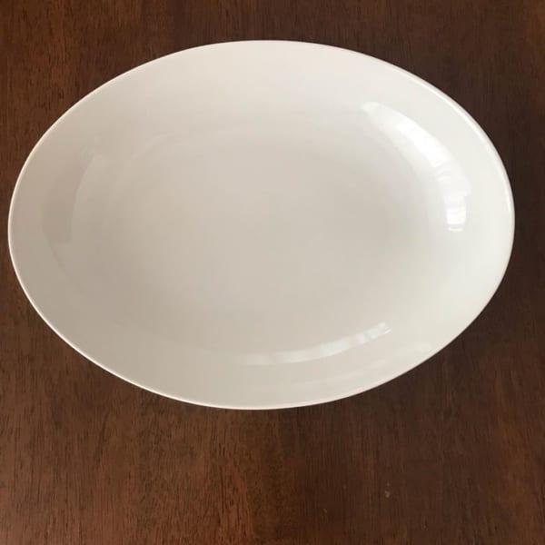 シンプルな食器