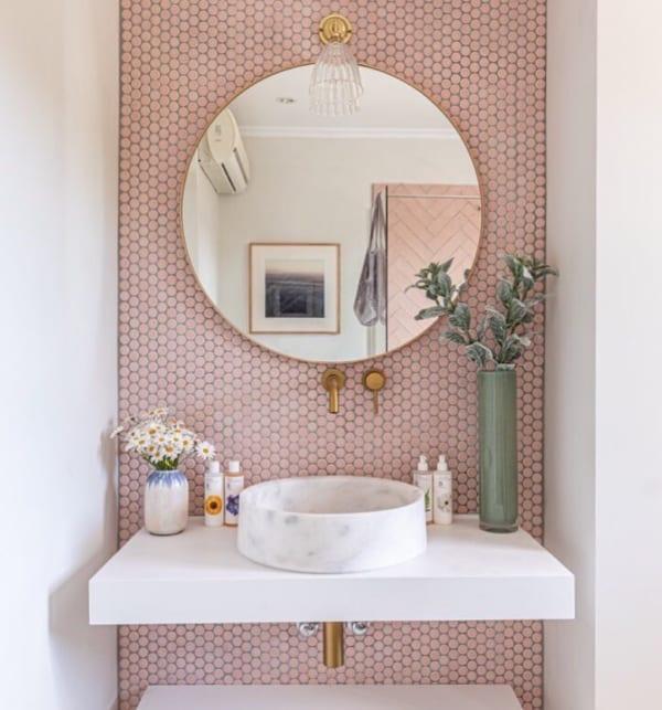 タイル壁がおしゃれな海外バスルームインテリア4