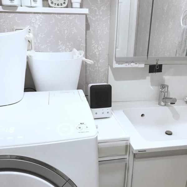 ホテルライクなグレー壁が魅力的な洗面所