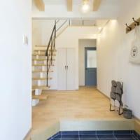 おしゃれな玄関にあこがれる!戸建て住宅の美しい玄関デザインアイデア