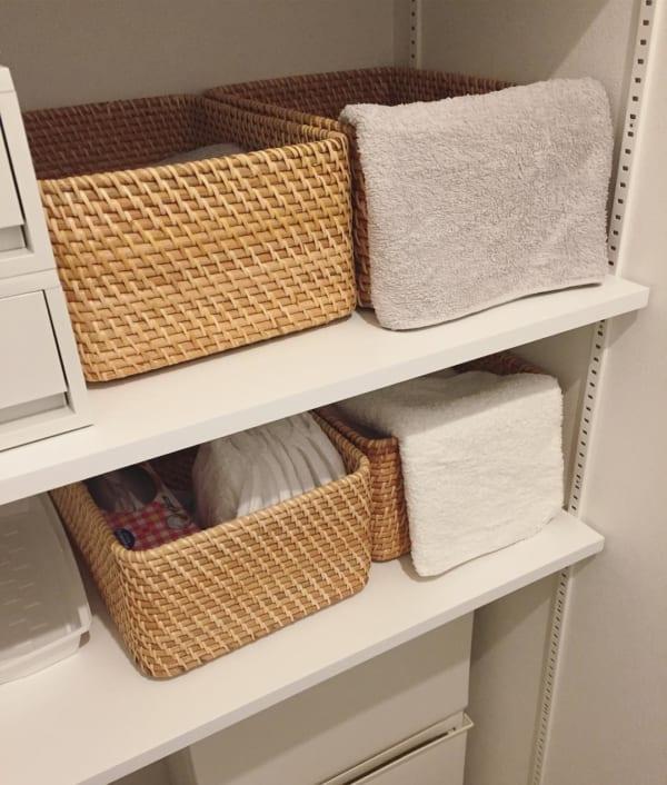 ラタンボックスのタオルを取り出しやすくするアイデア収納