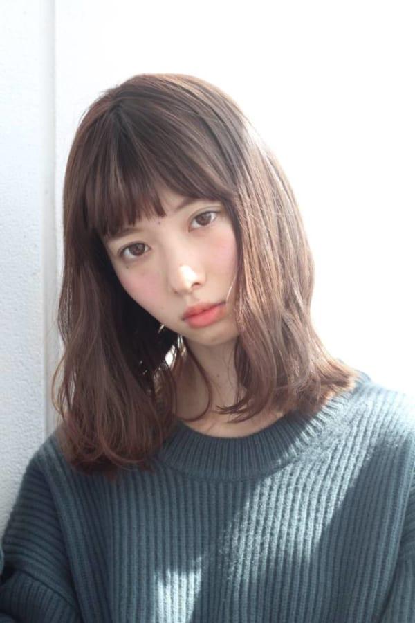 イエベ秋さんに似合う髪色《ダークブラウン系》3