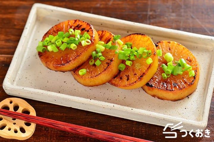和食の副菜に!大人気の甘辛大根ステーキ