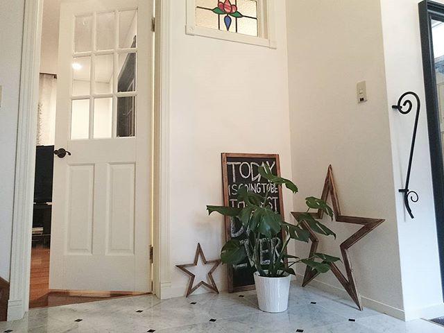 家のエレガントさをアップするインテリア窓