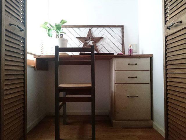 シンプルな書斎インテリア2