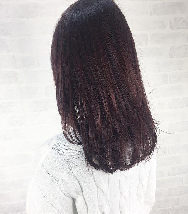 50代に似合うセミロング×ストレートの髪型3