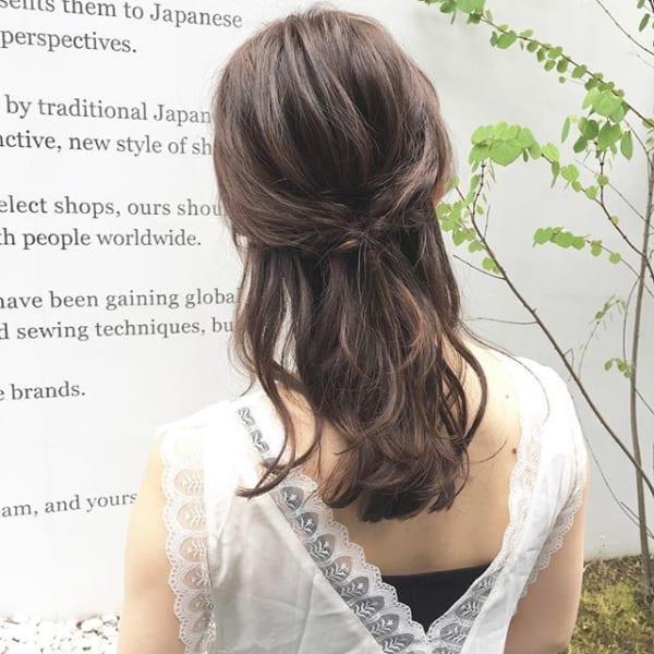 外国人風が簡単に作れるハーフアップヘアアレンジ