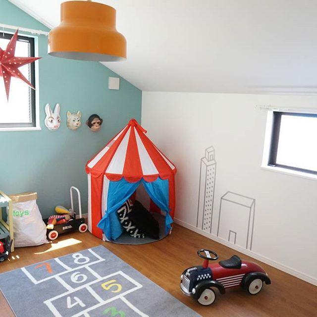 モノトーンの子供部屋《ペールトーンカラーのインテリア》2