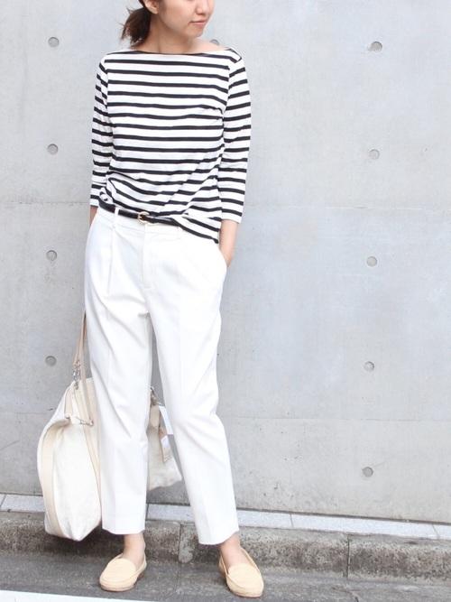 七分袖Tシャツの白ワイドパンツコーデ