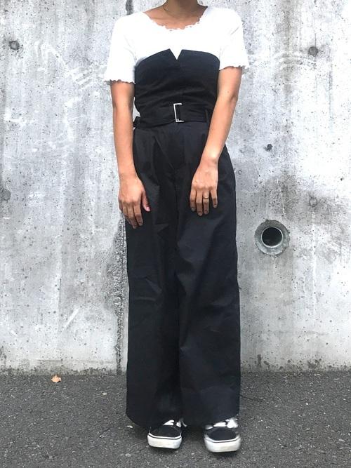 【2020】黒ワイドパンツ×スニーカーの夏コーデ