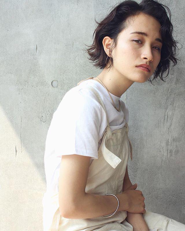 丸顔×黒髪×アンニュイボブ