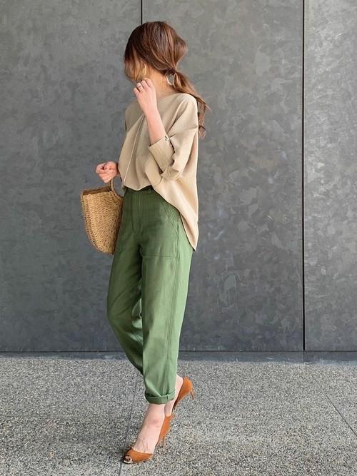 【台湾】4月に最適な服装:パンツコーデ3