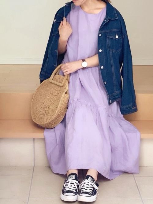 紫ティアードワンピース×デニムジャケット