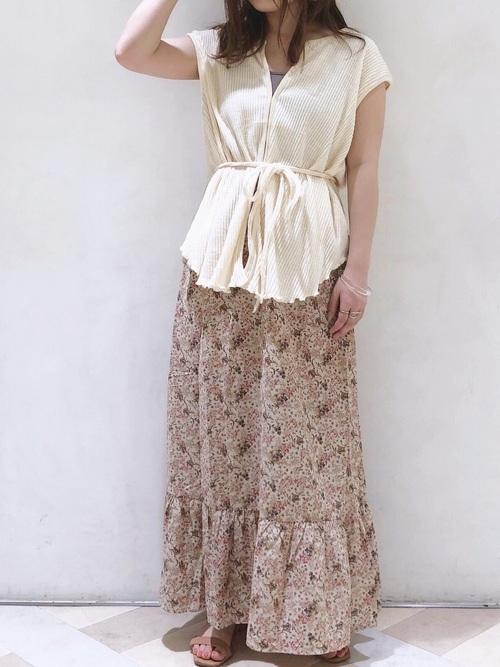 【タイ】4月に最適な服装:スカートコーデ2