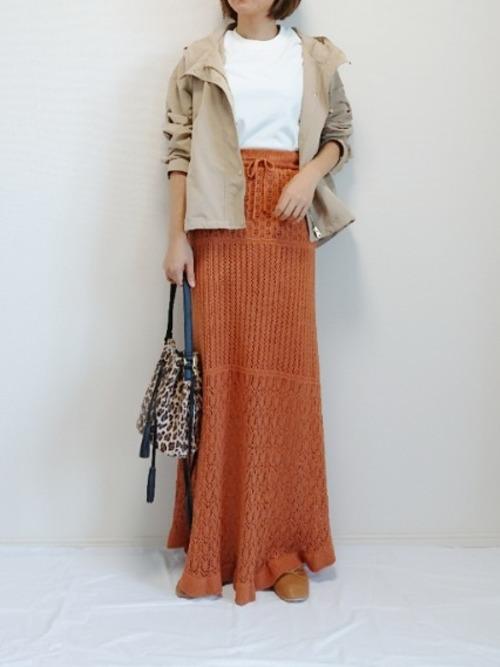 透かし編みスカートでカジュアルコーデ