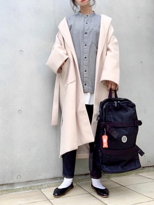 白靴下×黒リュックサックの冬コーデ