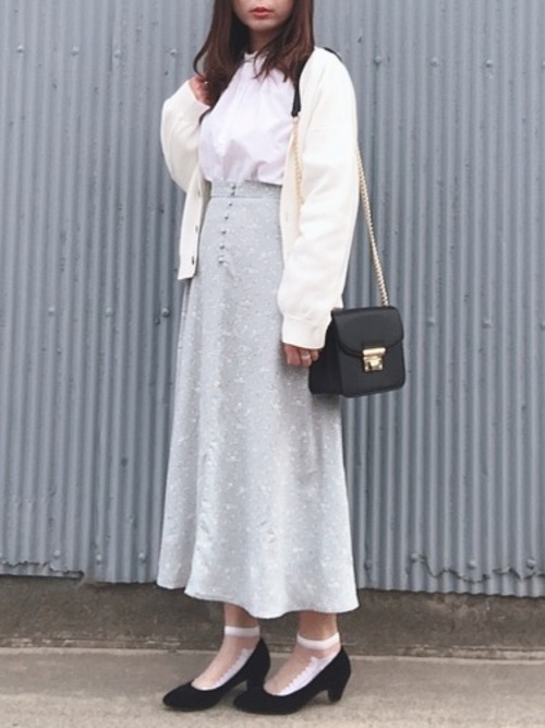 花柄靴下×花柄スカートの春コーデ
