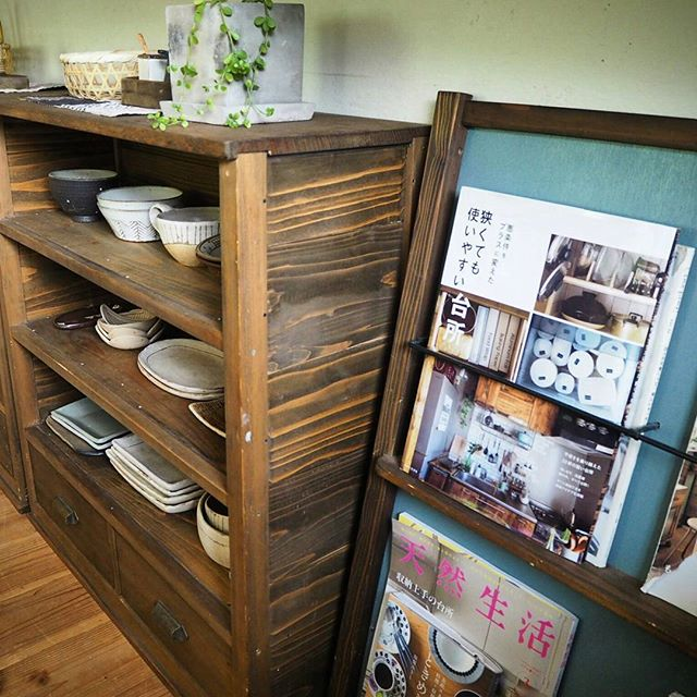 カウンター下の収納DIY《本棚・ラック》3