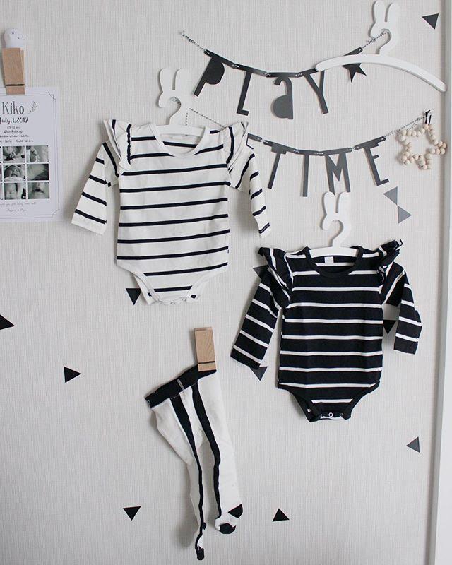 赤ちゃんの服をディスプレイに利用