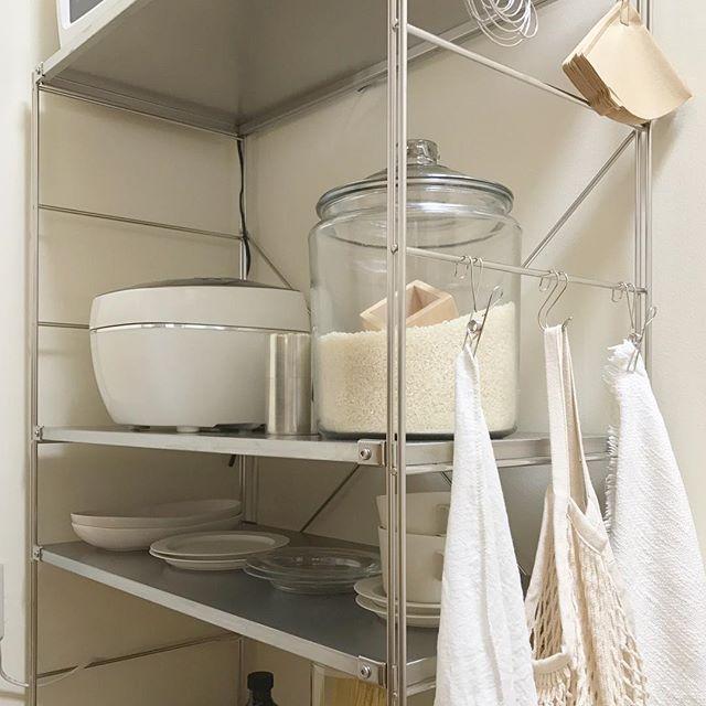 キッチン用品と一緒に格好良く保管する技