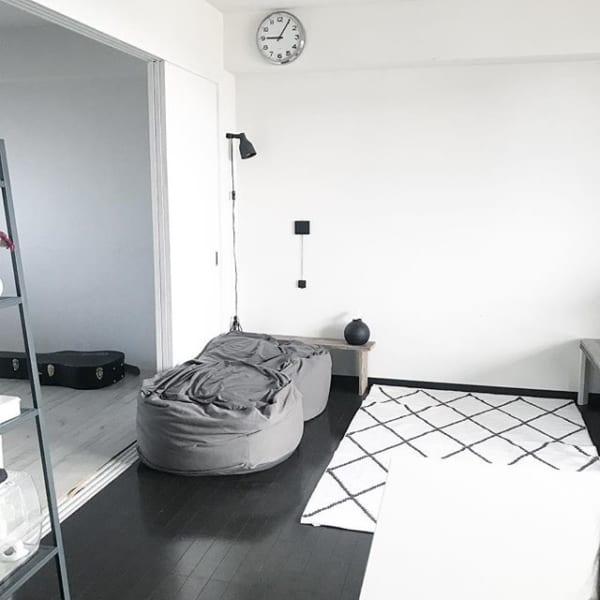 狭いリビングのソファのレイアウト9