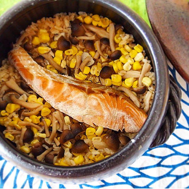 秋鮭としめじとコーンの炊き込みご飯