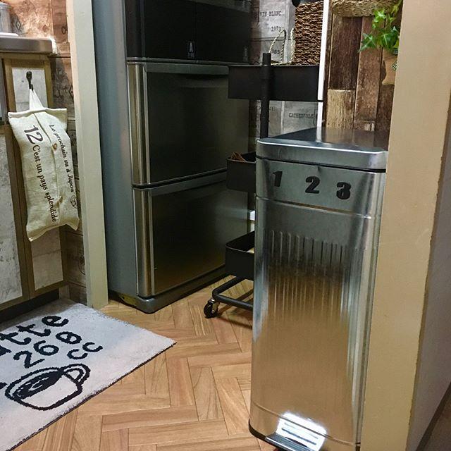 狭いキッチンのゴミ箱の置き場所11