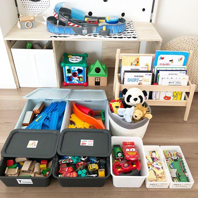 赤ちゃんのおもちゃ収納《100均スクエアボックス》3