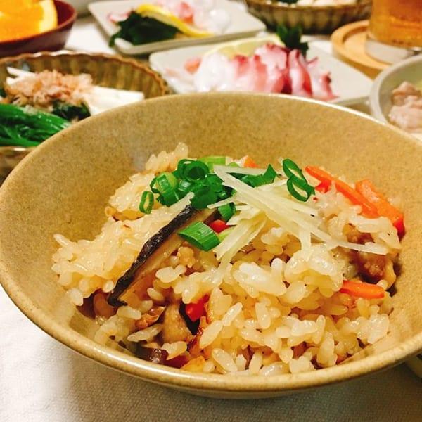付け合わせの料理に!中華風の炊き込みごはん