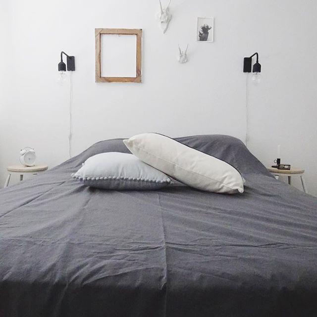 ミニマルなベッドルーム