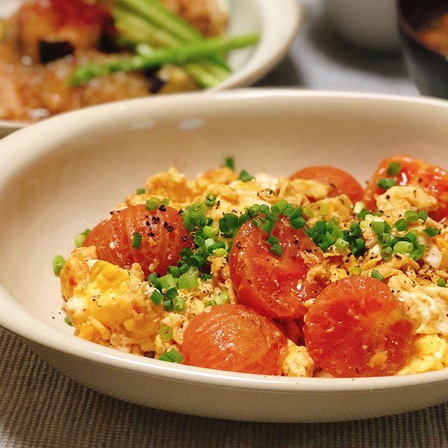 カレーの副菜に!トマトと卵の簡単中華風炒め