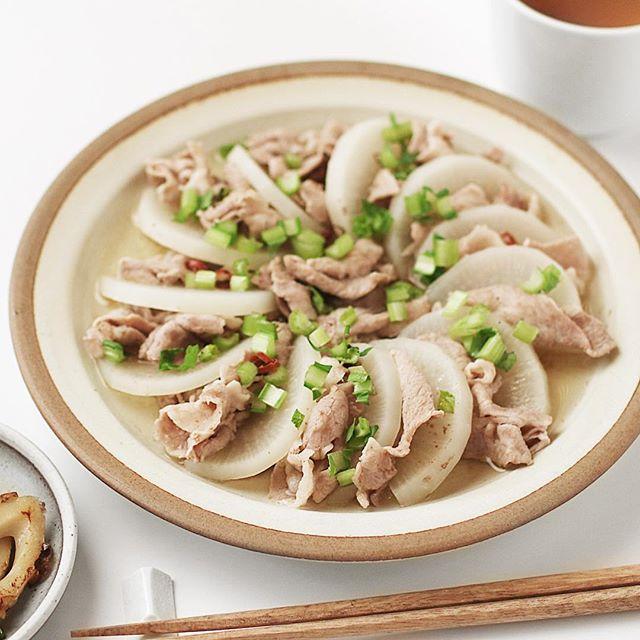 低カロリーなおかずに!大根と豚肉の簡単出汁煮