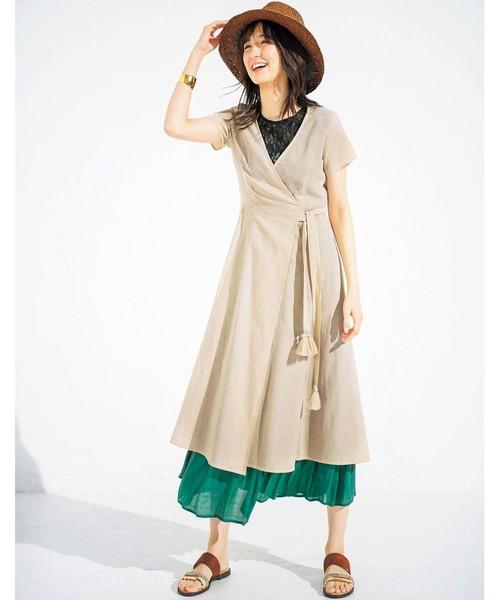 鮮やかなグリーンスカートコーデ