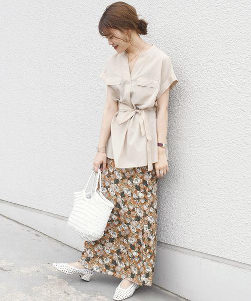 コットンサファリブラウス×花柄スカート