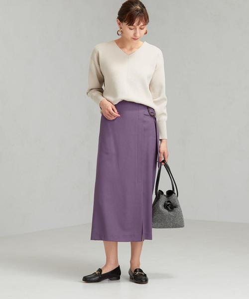 カラースカートのおしゃれな通勤コーデ