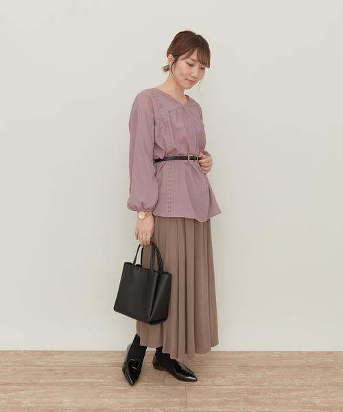 ピンクチュニック×茶色スカートの春コーデ